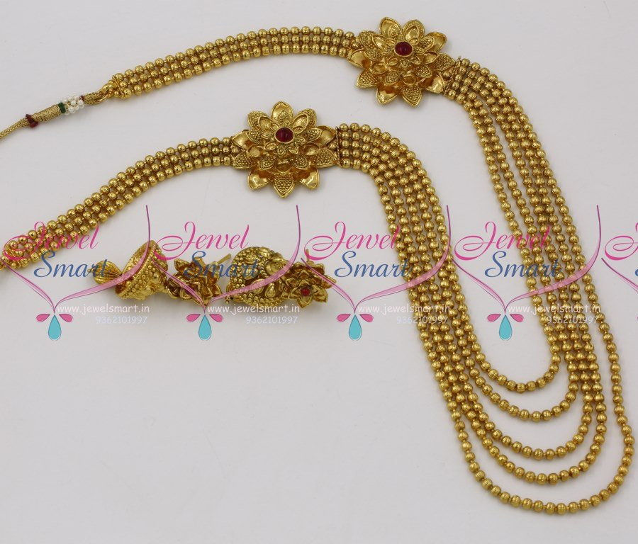 Design of gold earrings with latest design