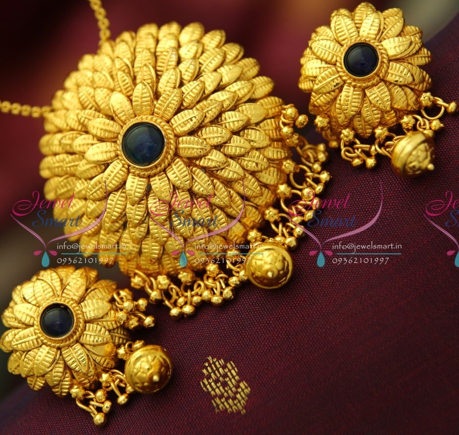 Ps3709 beautiful leaf design antique gold plated pendant earrings ps3709 beautiful leaf design antique gold plated pendant earrings buy online best quality jewellery aloadofball