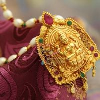 beaded-indian-ethnic-traditional-pearl-jewelry-red-gold-plating-design-god-pendant-semi-precious