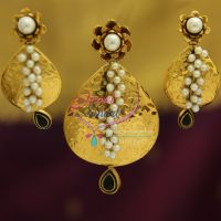 antique-exclusive-gold-design-handmade-real-pearl-jewellery-pendant-set-online