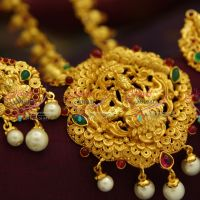 Gold-Design-Fashion-South-Traditional-Jewellery-Online-Temple-Nakshi-Laxmi-Pendant-Haram