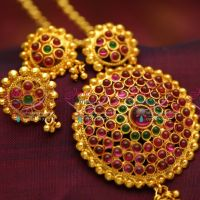 kemp-jewellery-red-gold-plated-round-shape-pendant-sets-earrings-premium-jewellery